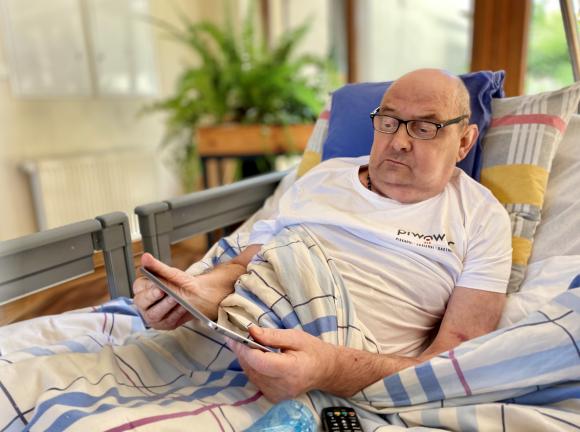 Nowoczesne technologie i telemedycyna w opiece paliatywnej